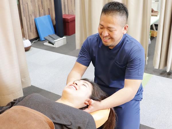 首の痛みに対する施術